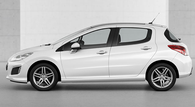Peugeot_-_308_-_2013_-_Side_View